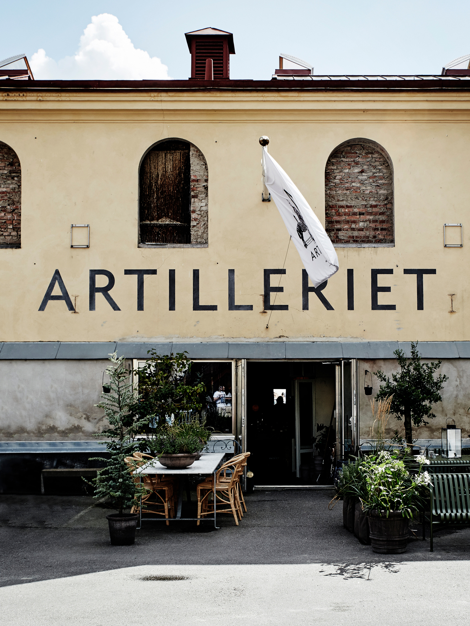 Artilleriet, the store with its eclectic blend of everything at home, derives entirely from our personal taste and love of things that are beautiful to look at, have high functionality and preferably an interesting story behind them.