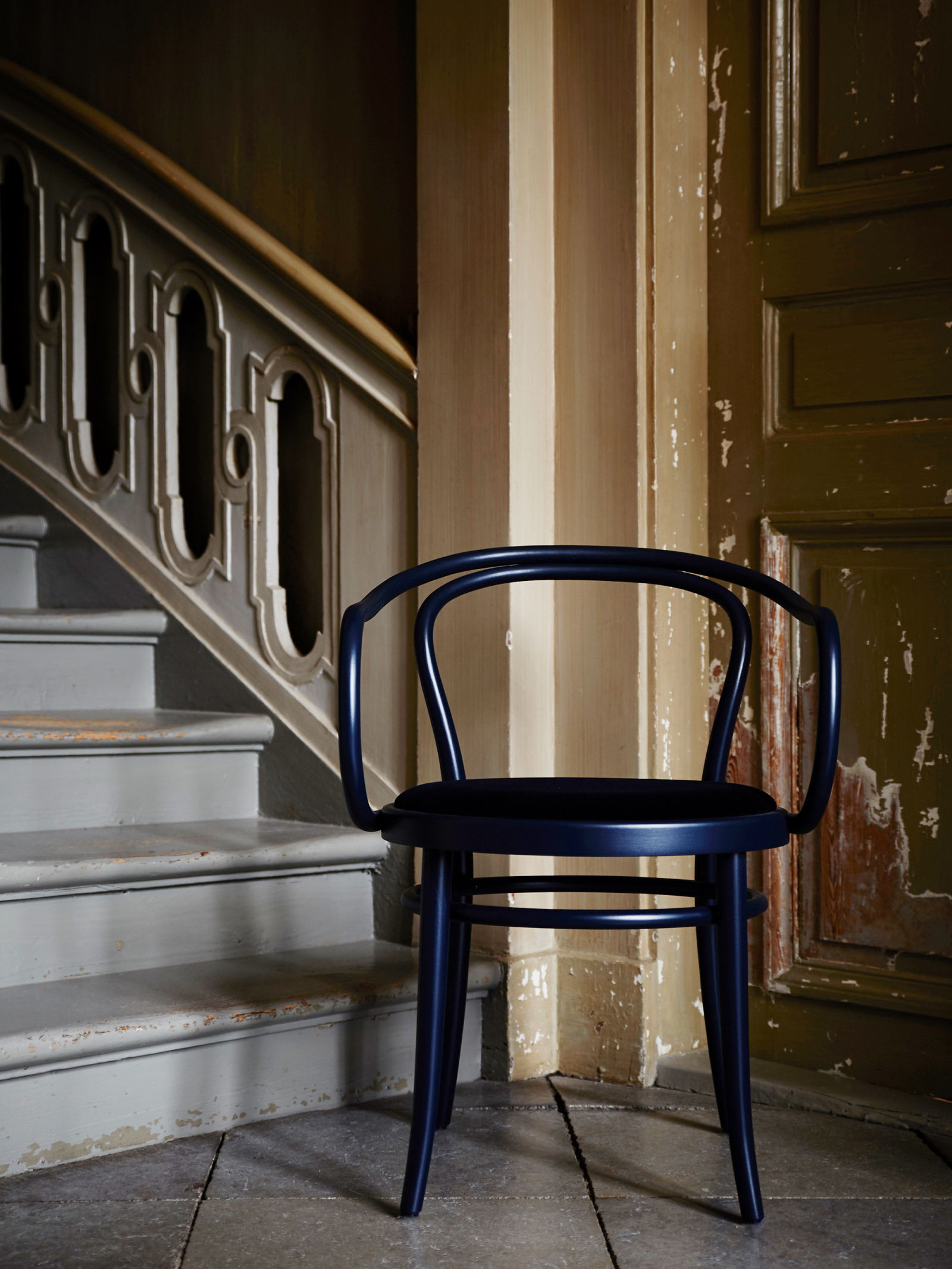 Artilleriet Exclusive - Chair 30 - Dark Blue Velvet