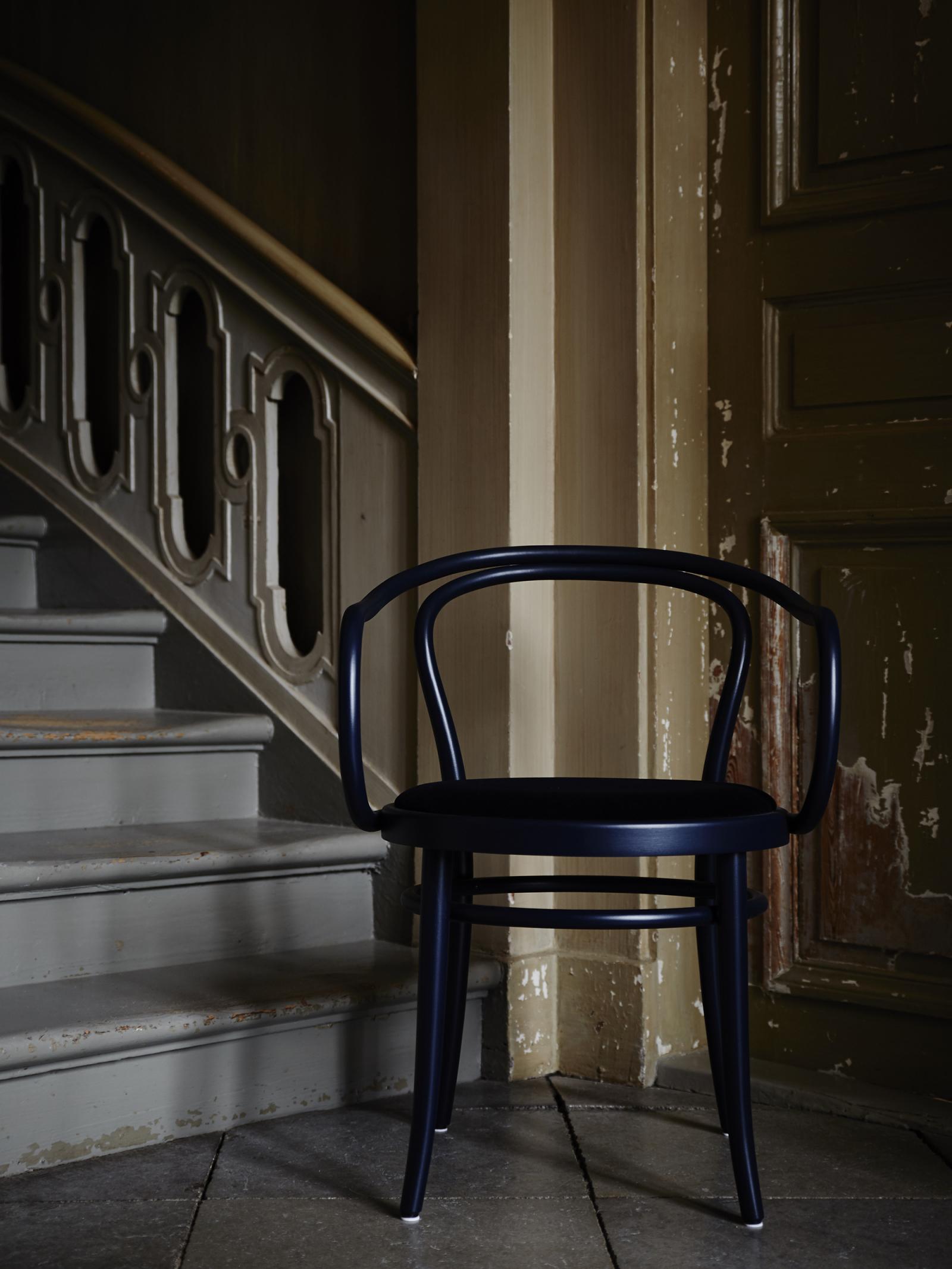 Artilleriet Exclusive - Chair 30 - Dark Blue Velvet - Ton 4 890 SEK