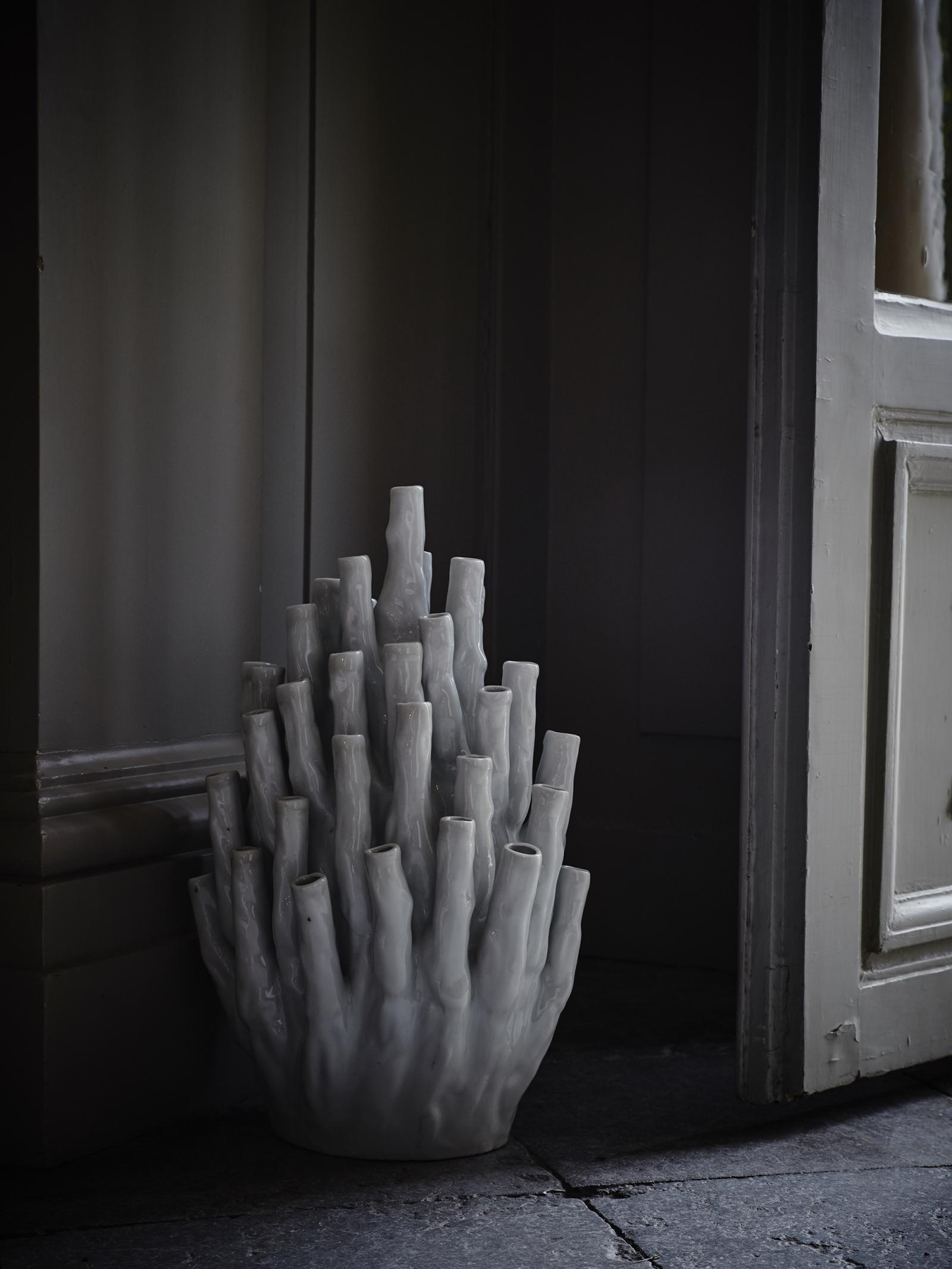 Coral Vase 50-Tulips White 4 200 SEK