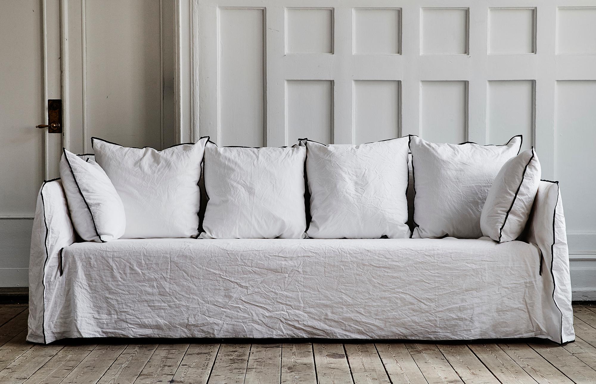 10989_f044059d18-soffa-11429-zoom.jpg