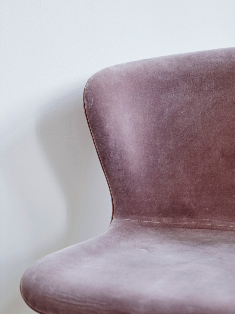 La Pipe Chair Velvet Pink - Brass