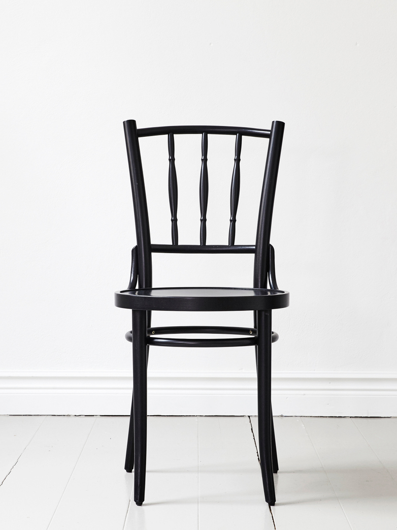 Dejavu Chair No 378 – Black – Wood