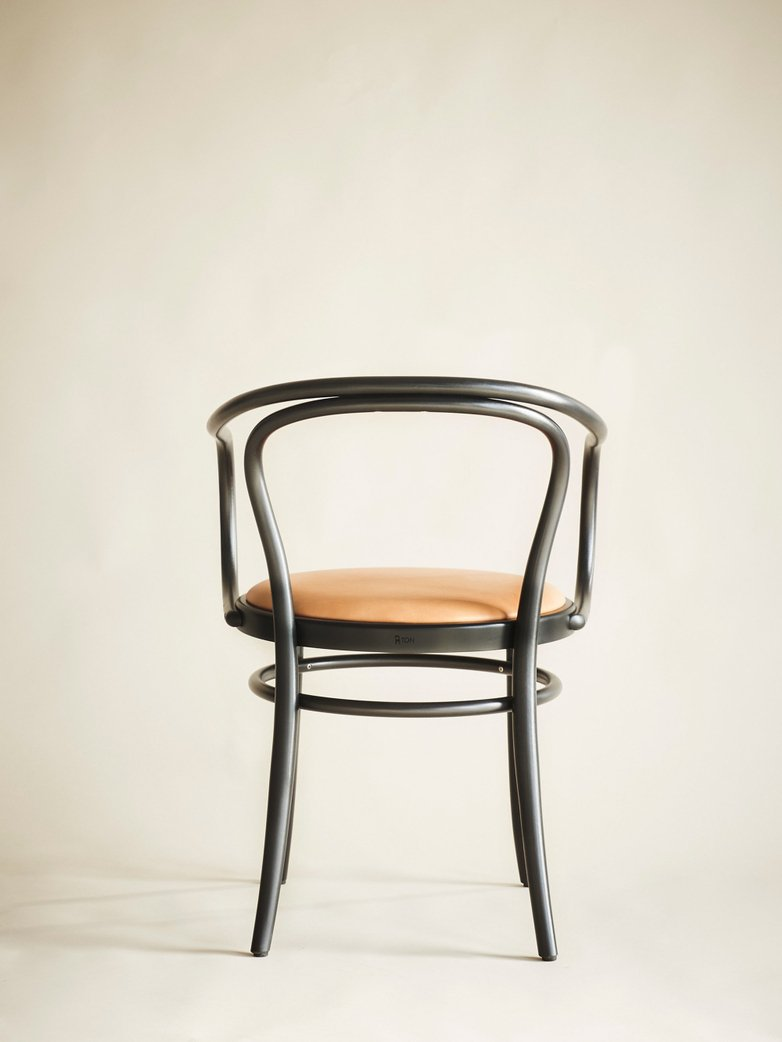 Artilleriet Exclusive – Chair No 30 – Black – Tärnsjö Leather