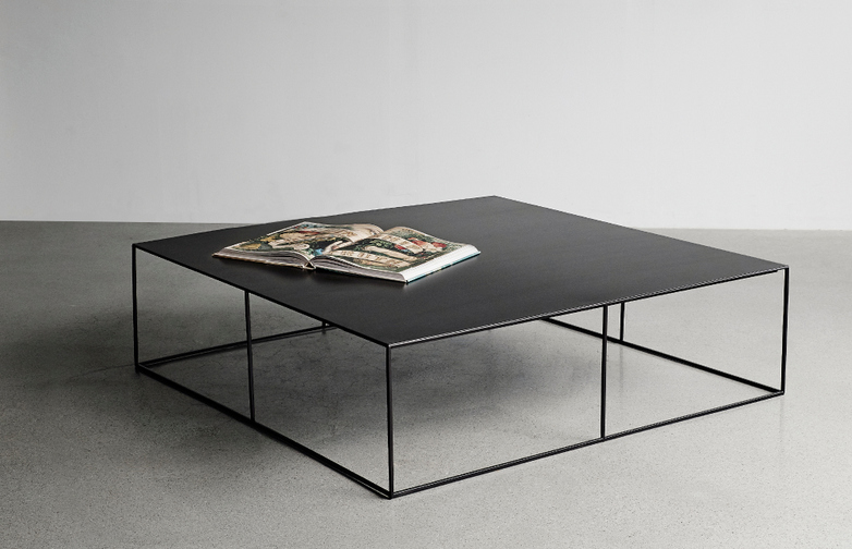 Slim Irony Low Black Table
