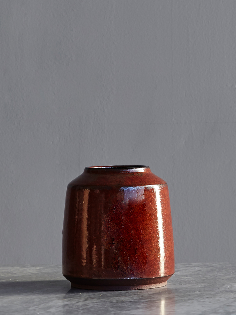 Timbre Vase Large Iron Red Short