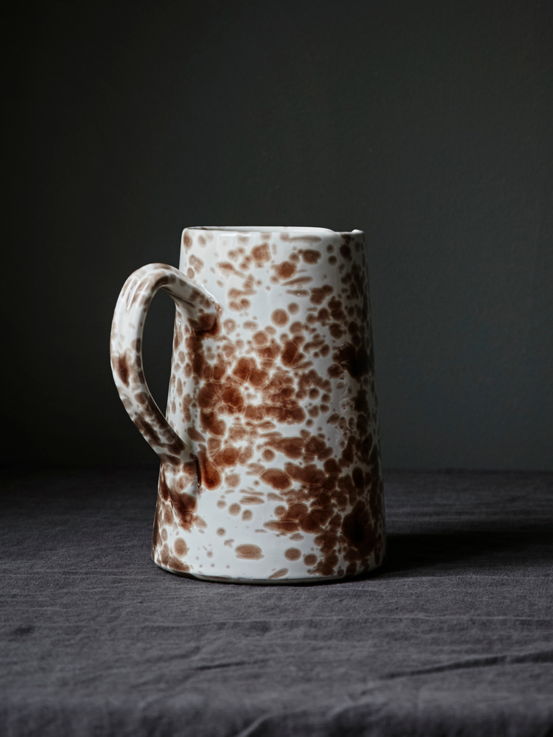Spruzzi Vivente - Pitcher Brown