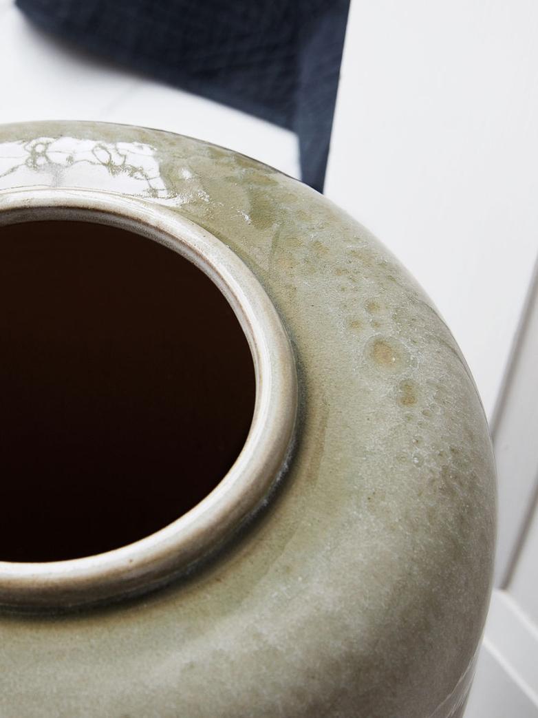 Jade Vase Grey