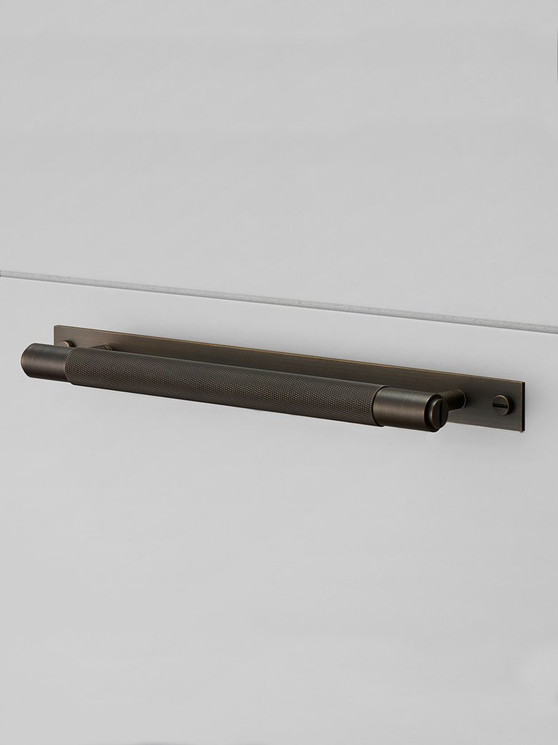Pull Bar Plate Smoked - Bronze - Large