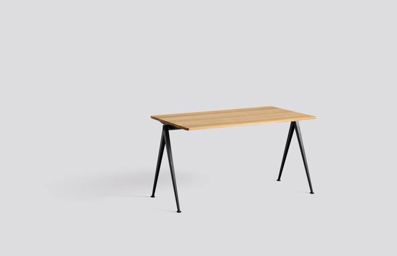 Clear Lacquered Solid Oak - 140 x 75 cm - Black powder coated steel