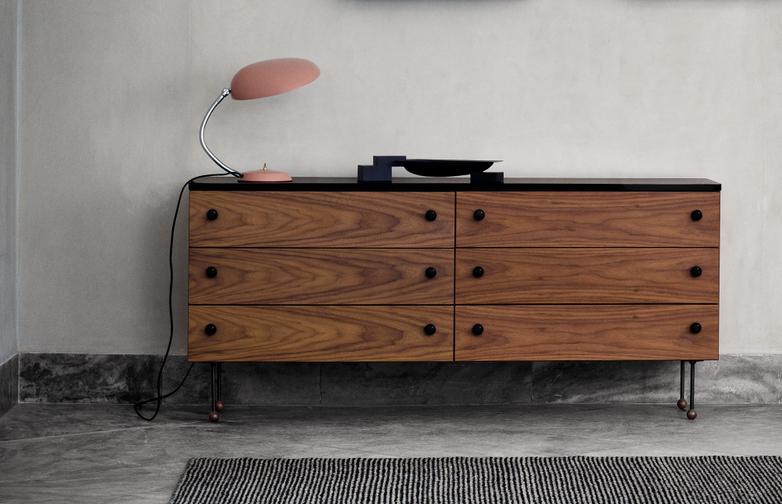 62 Dresser