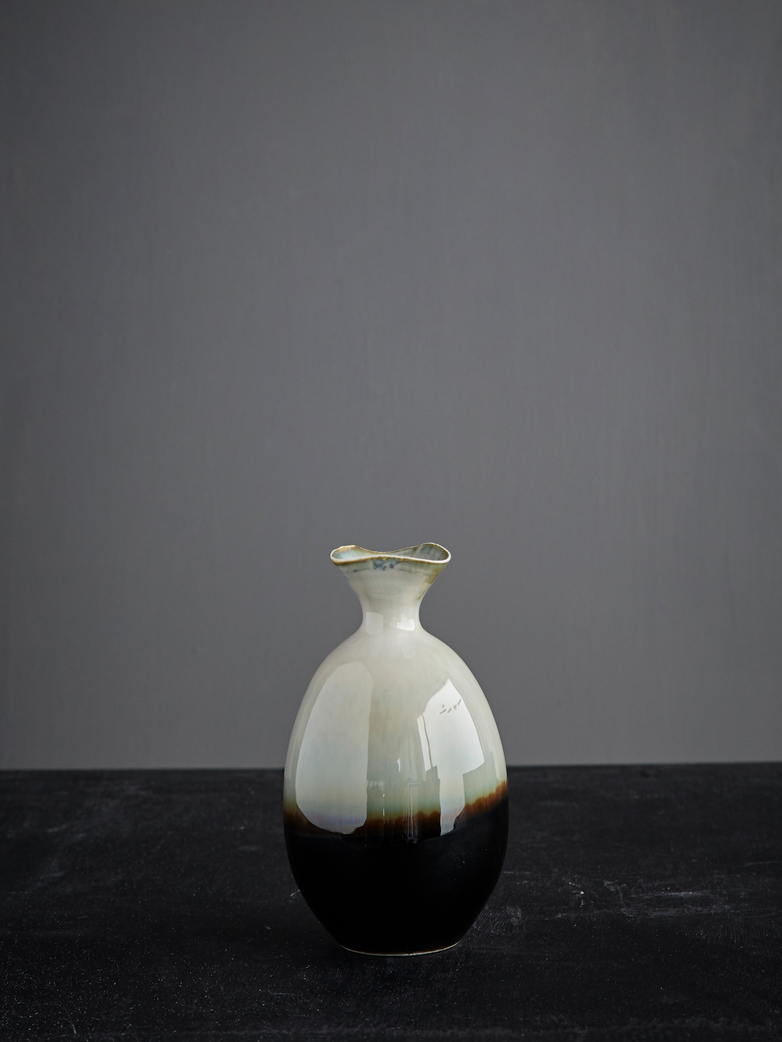 Oval Vase Glazed Reactive