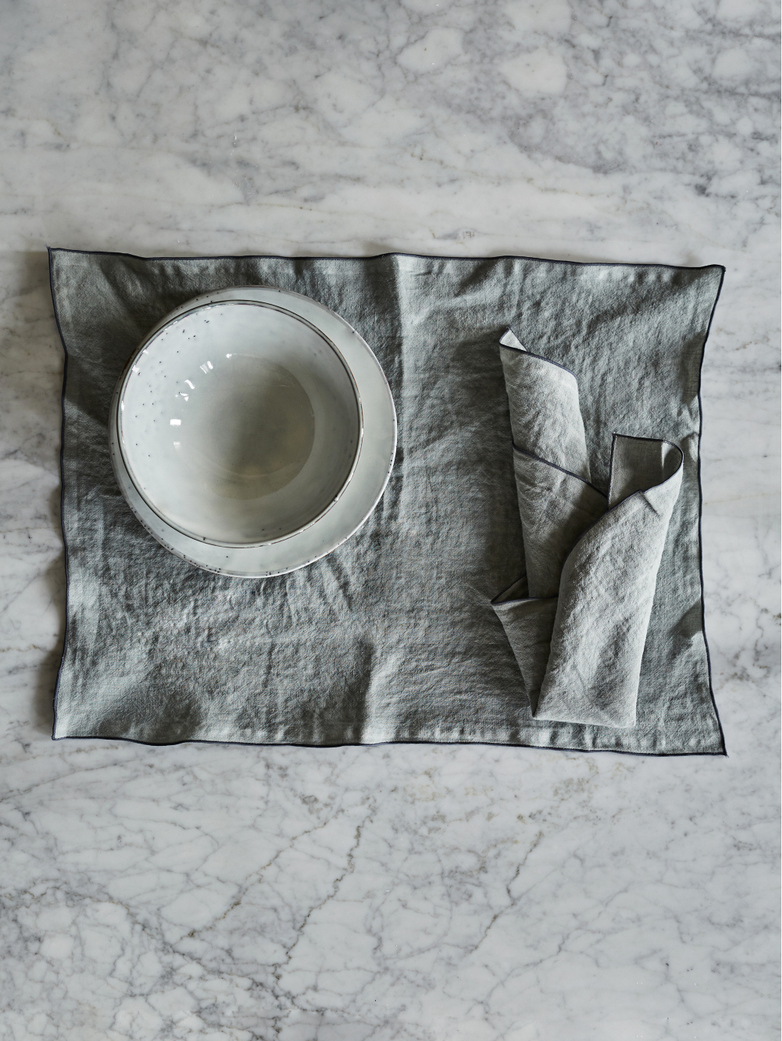 Place Mat Washed Linen – Glacier