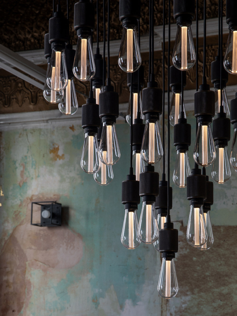 Heavy Metal Chandelier Classic 19 Pendants