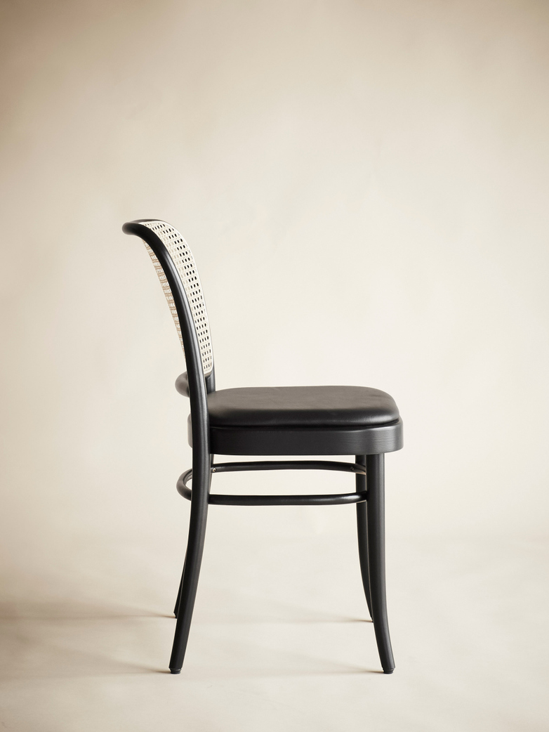 Chair No 811 – Black – Leather