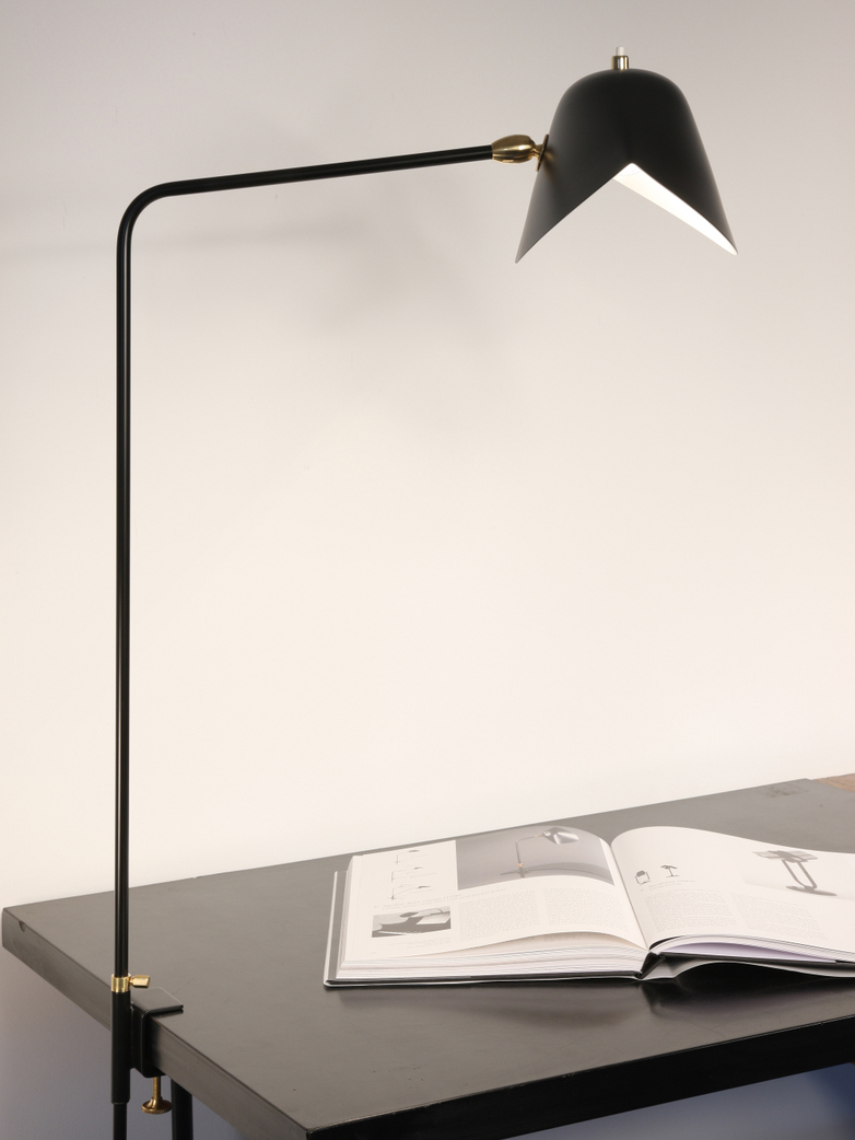 Simple Agrafee Table Lamp