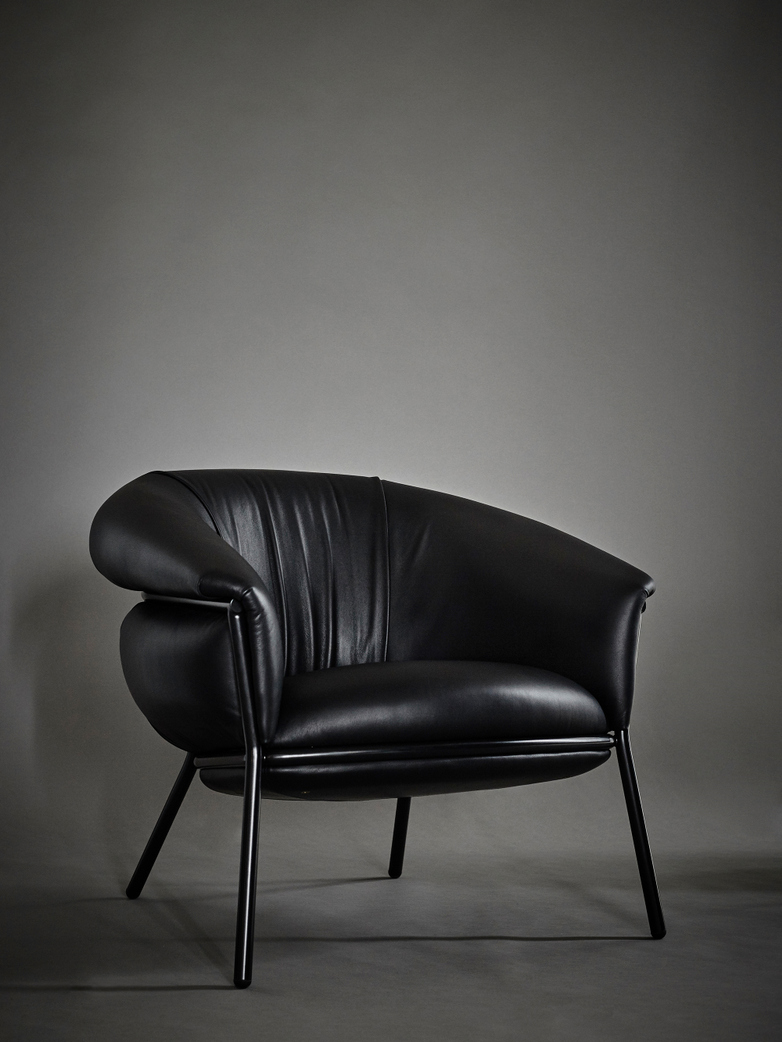 Grasso - Armchair Black Savage Leather and Black and Anthracite Structure