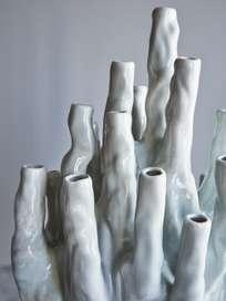 Coral Vase 20 – Tulips White