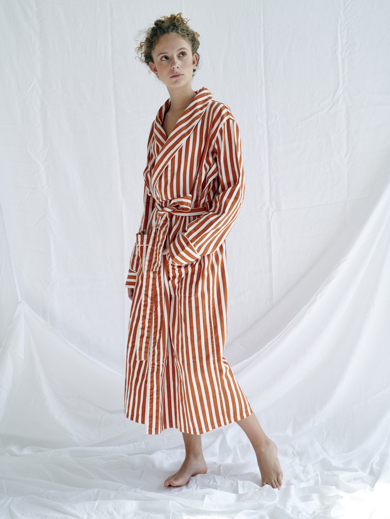 Robe – Caramel/White
