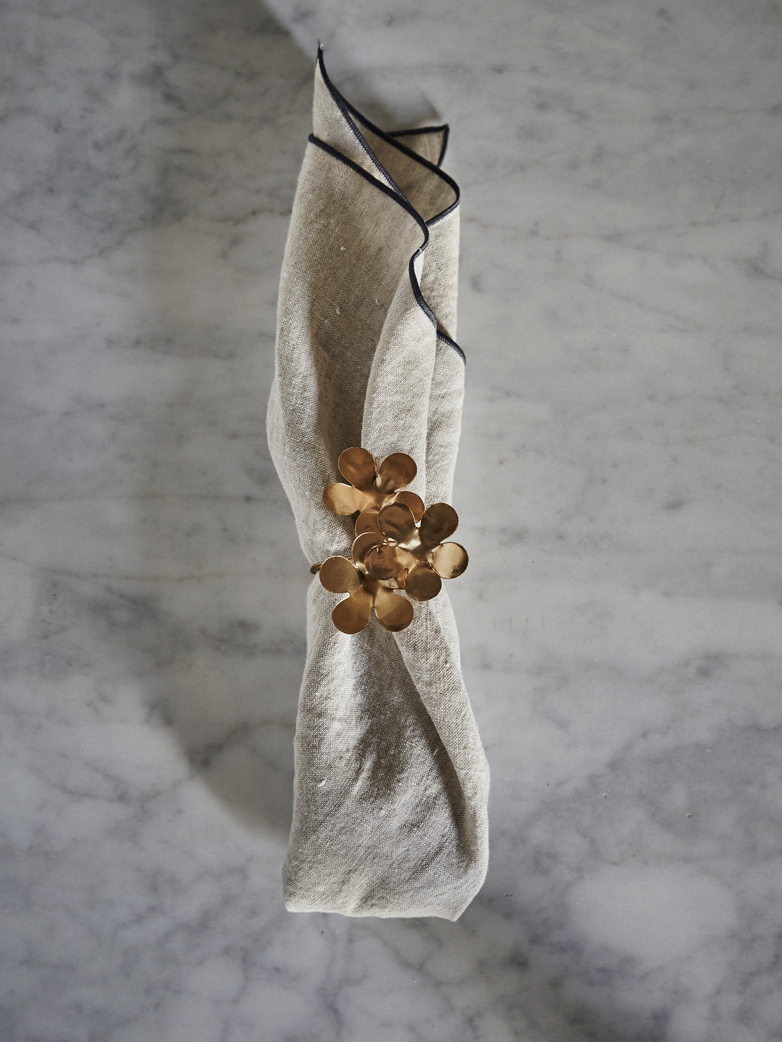 Flower Napkin Ring Dore Fleurs