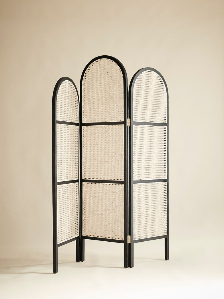 Webbing Room Divider – Black/Neutral