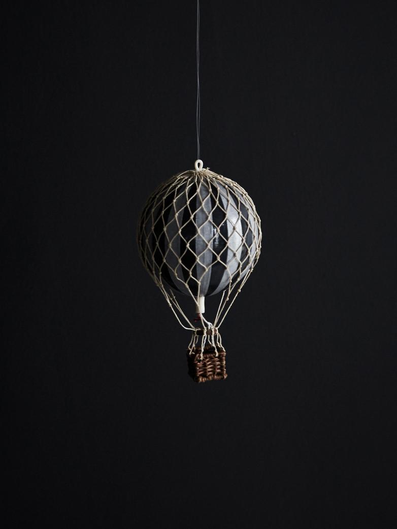 Christmas Balloon – Black/Silver – XS