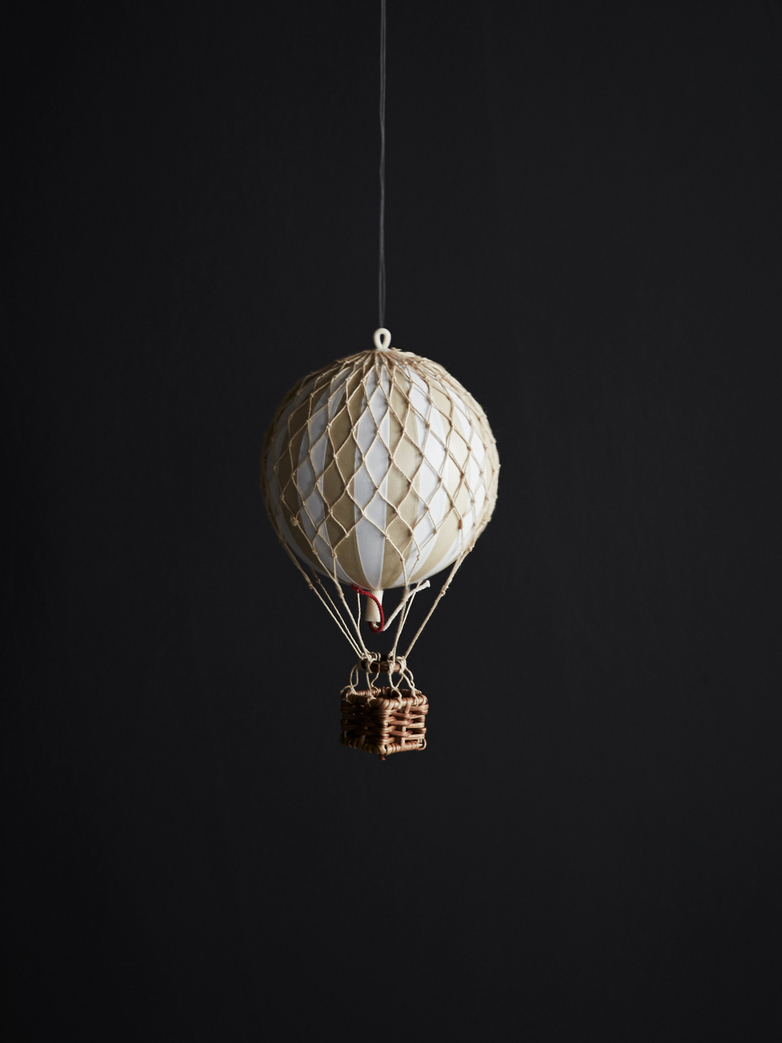 Christmas Balloon – Ivory – XS