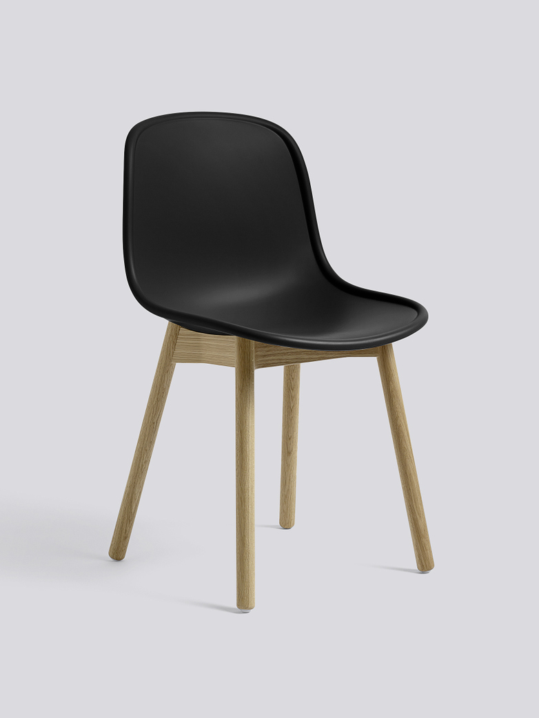 Neu 13 - Matt Lacquered Solid Oak - Soft Black