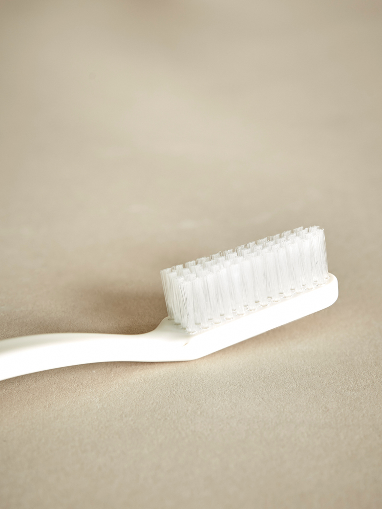 Toothbrush – Ivory White