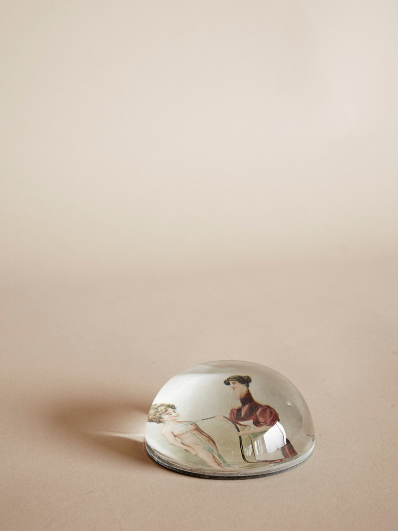 Paperweight Dome – Wash Woman