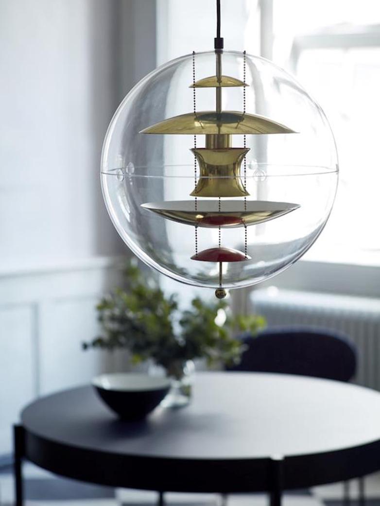 VP Globe – Brass