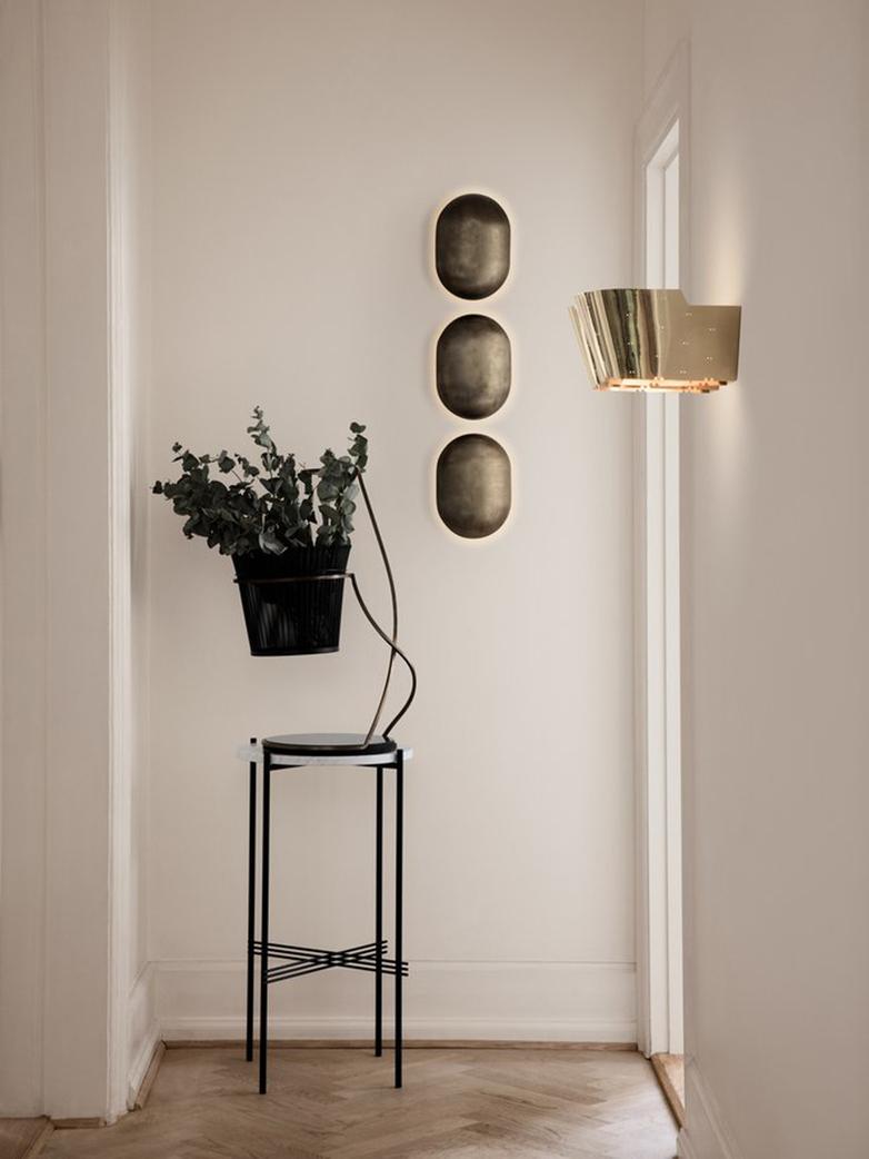 9464 Wall Lamp – Brass Base – Polished Brass