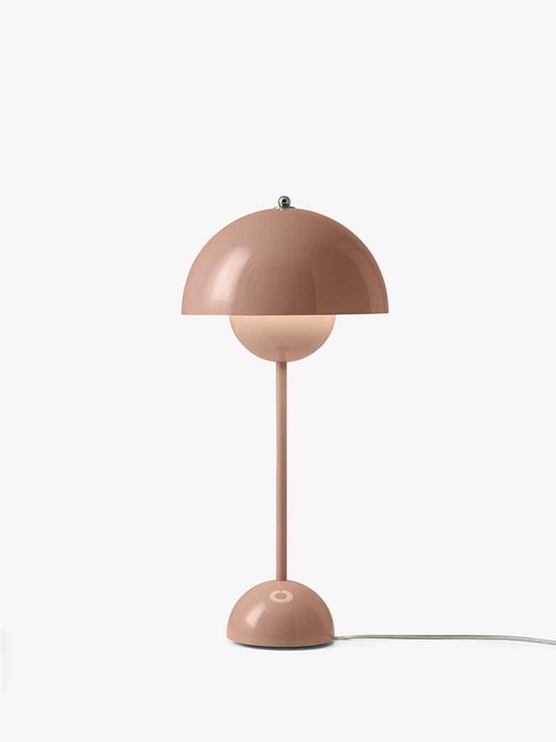 Flowerpot VP3 Table Lamp – Beige red