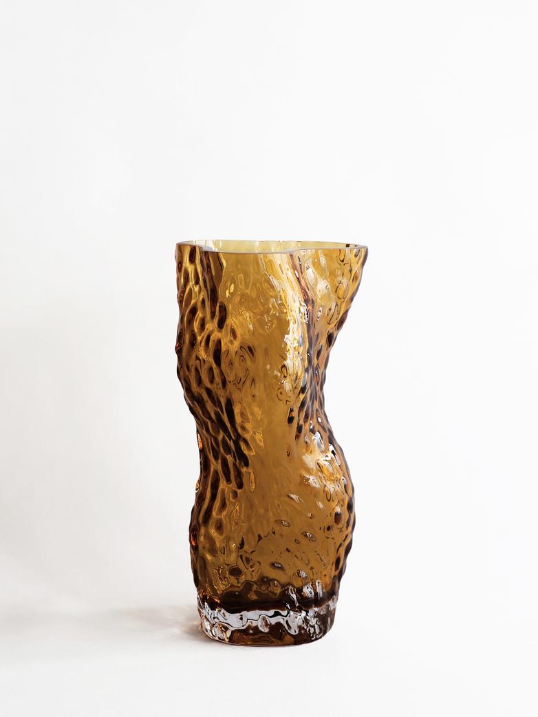 Ostrea Rock Glass Vase – Amber