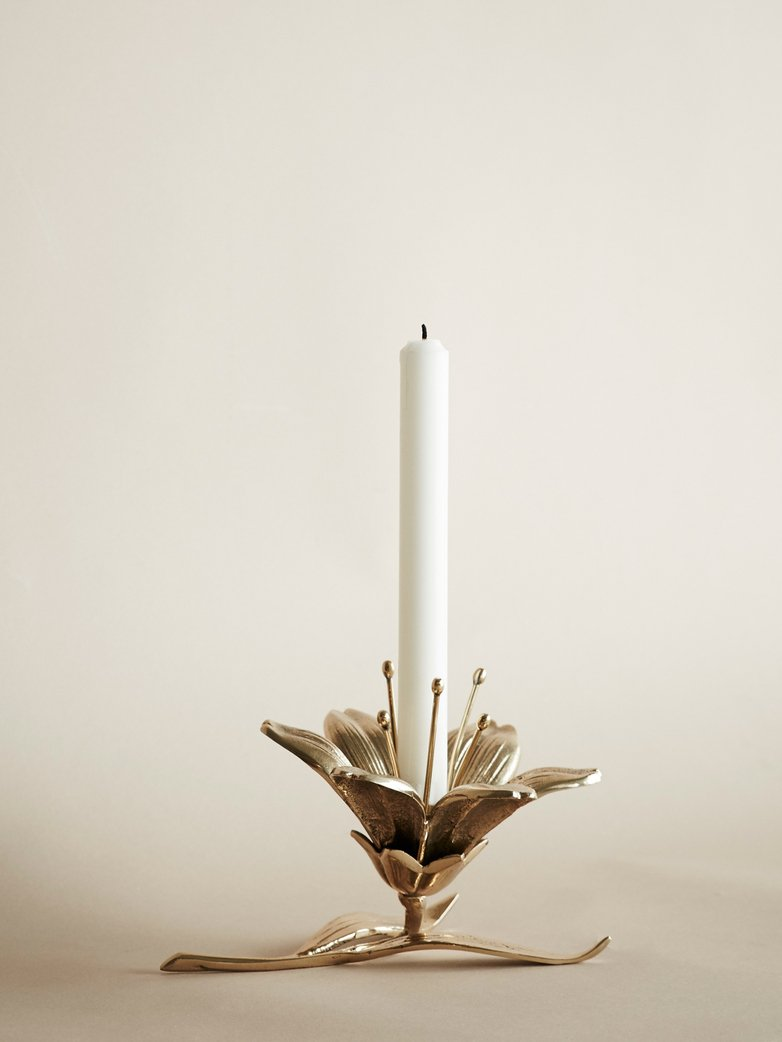 Lily Candle Holder
