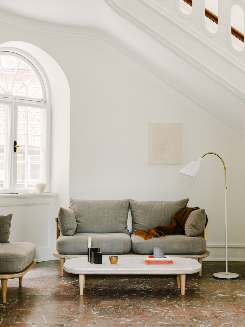 Fly SC5 Lounge Table - White Oiled Oak/Carrara Marble