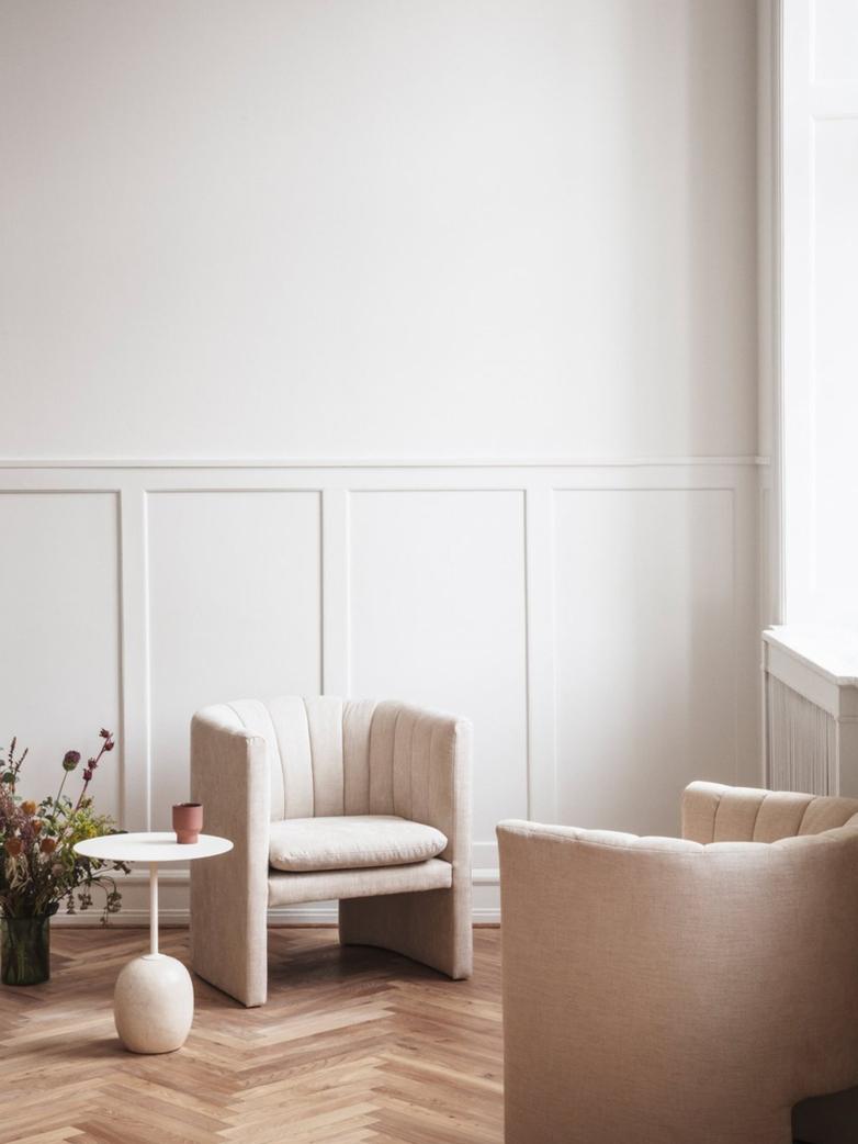 Lato Table LN8 – Ivory White & Crema Diva Marble