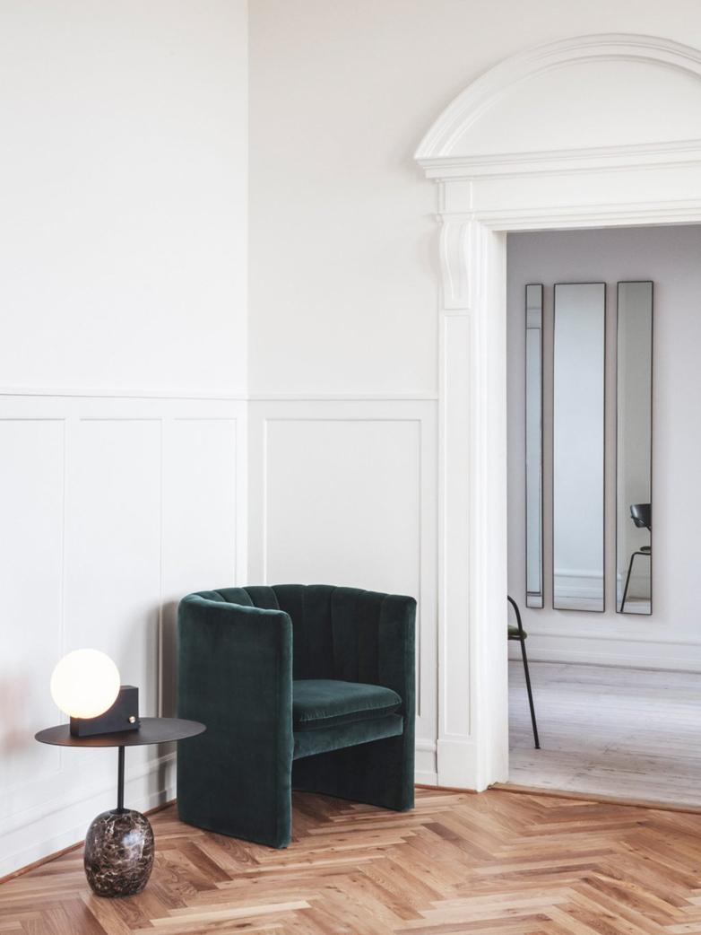 Lato Table LN9 – Ivory White & Crema Diva Marble