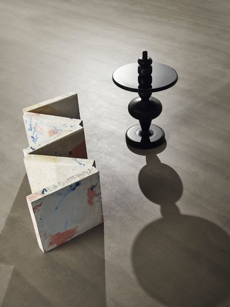 Shuffle Table MH1 – Nero Marquina Marble