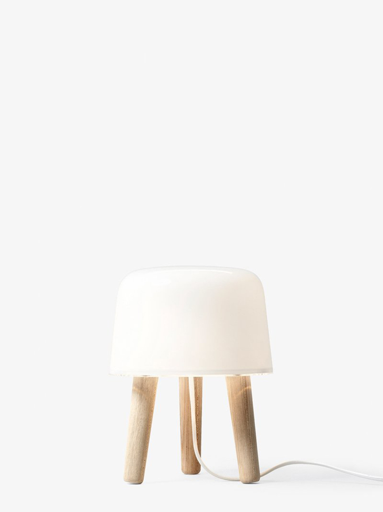 Milk Table Lamp NA1 – Natural Ash
