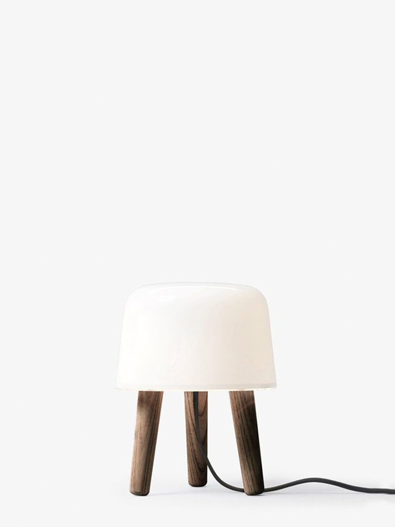 Milk Table Lamp NA1 – Smoked Oiled Ash