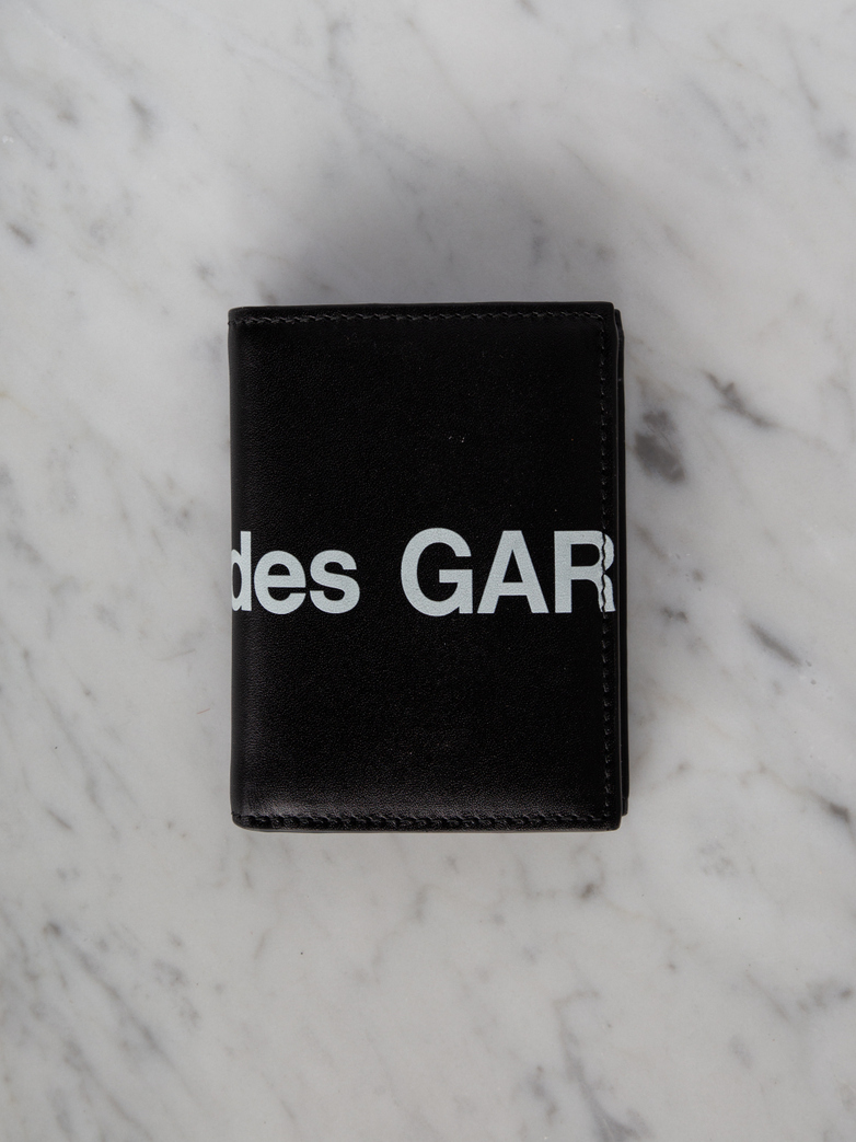 Huge Logo Card Wallet Black