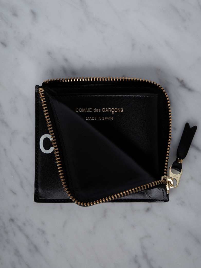 Huge Logo Zip Wallet Black