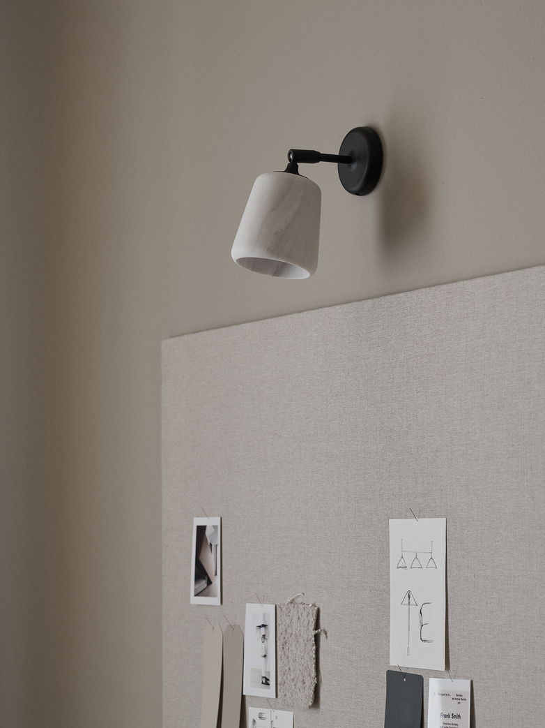 Material Wall Lamp – White Marble