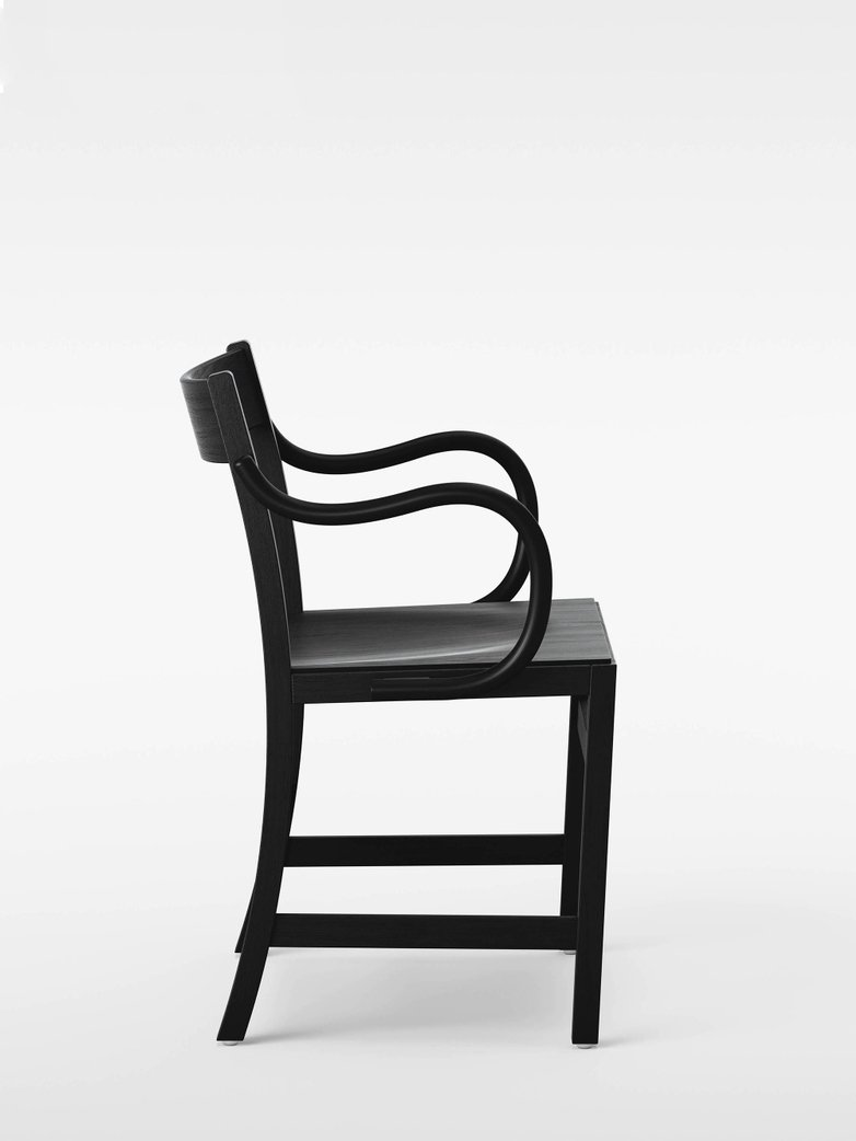 Waiter XL Armchair – Black Stained Beech