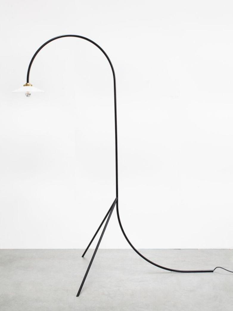 Standing Lamp N1 – Black