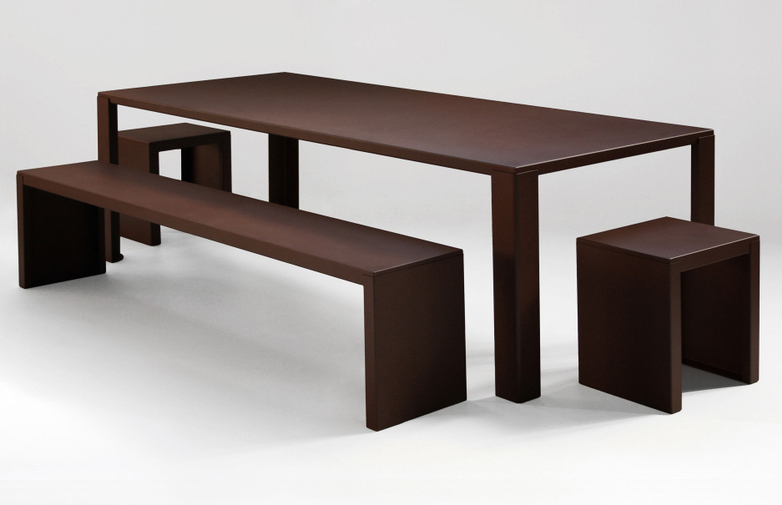 Big Irony Outdoor Dining Table – Rust