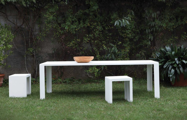 Big Irony Outdoor Dining Table – White