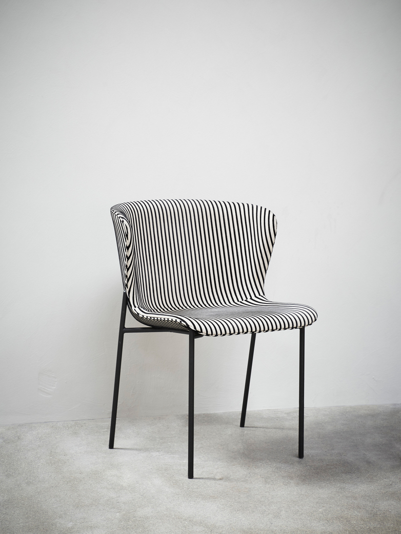 La Pipe Chair – Manoir Stripes – Black