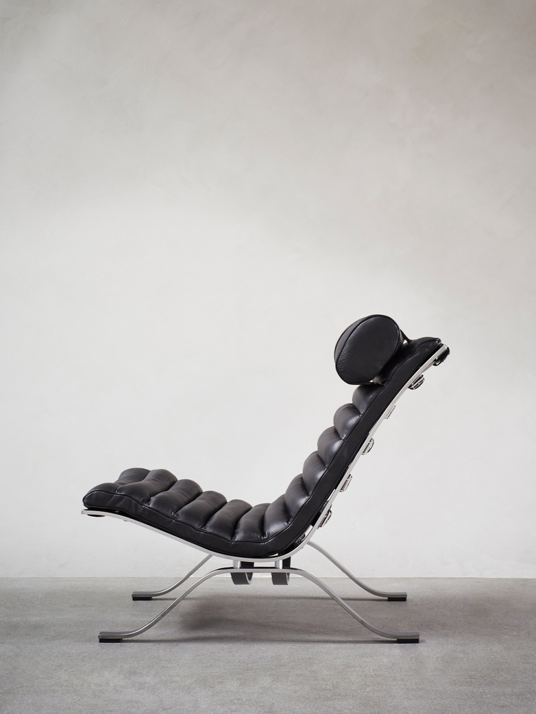 Ari Armchair – Black